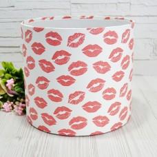 Шляпная коробка KISS 20смх18см